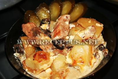 Нежное жаркое из свинины с грибами