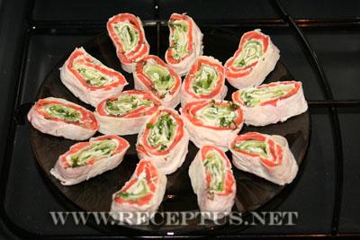 Рулетики из красной рыбы в лаваше
